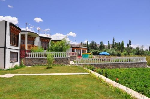 Hotel Ladakh Retreat