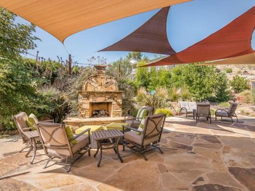 Luxury Style and Great Outdoor Living Photo