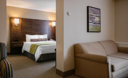 Best Western Ville-Marie Hotel & Suites Photo