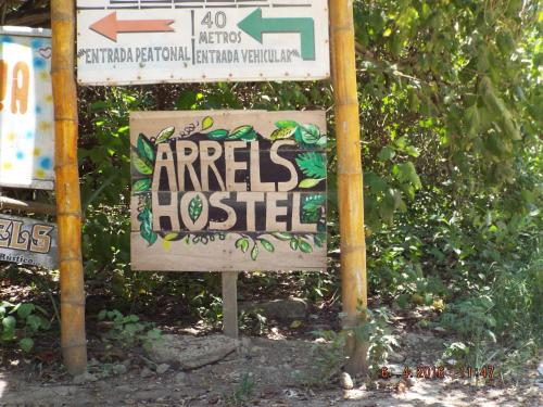 Hostal Arrels Photo