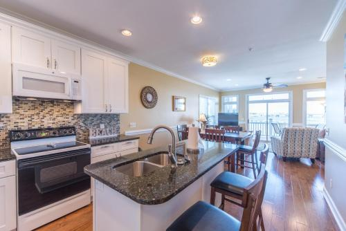 17 Sandbar Apartment Photo