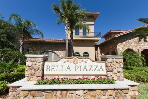 Bella Piazza 1027 Photo