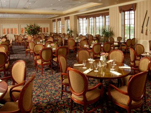 Wyndham Virginia Crossings Hotel & Conference Center Photo