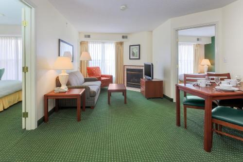 Residence Inn by Marriott Oklahoma City South/Crossroads Mall Photo