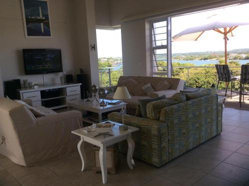 Holiday Home Crystal Waters Photo