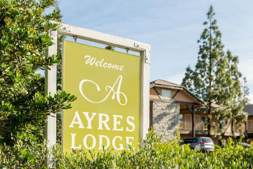 Ayres Lodge Alpine Photo