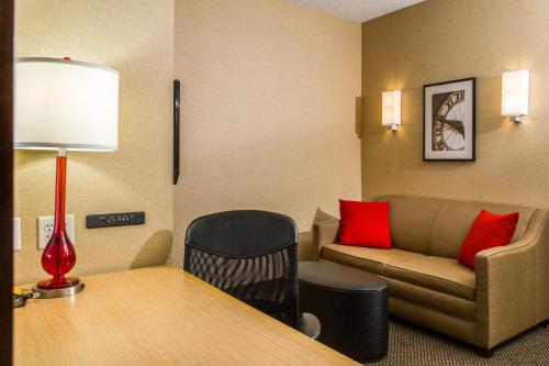 CAMBRiA Hotel & Suites Akron - Canton Airport Photo