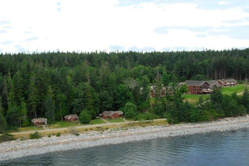 Tsa-Kwa-Luten Lodge Photo