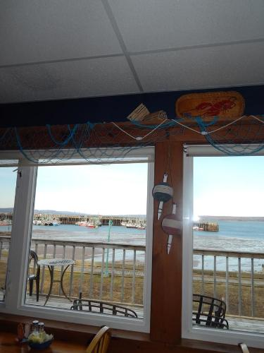 Shore Thing Seafood - Galley & Quarters Photo