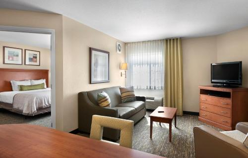 Candlewood Suites Savannah Airport Photo