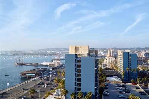 SpringHill Suites by Marriott San Diego Downtown/Bayfront Photo