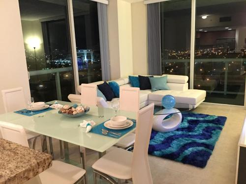 Starlight Suites by the Marina Photo