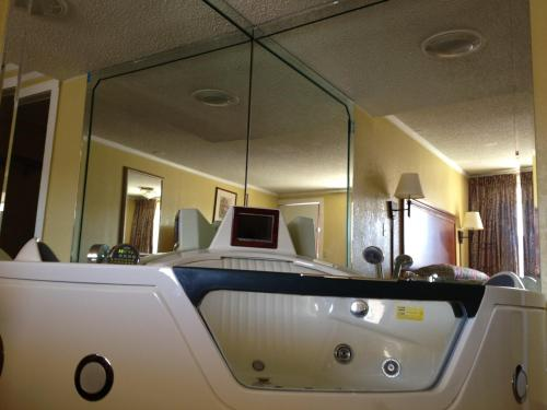 America's Best Value Inn Conyers Photo