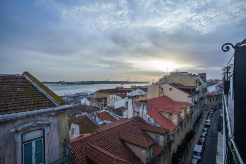 Breathtaking River View in Alfama - lisbonne -