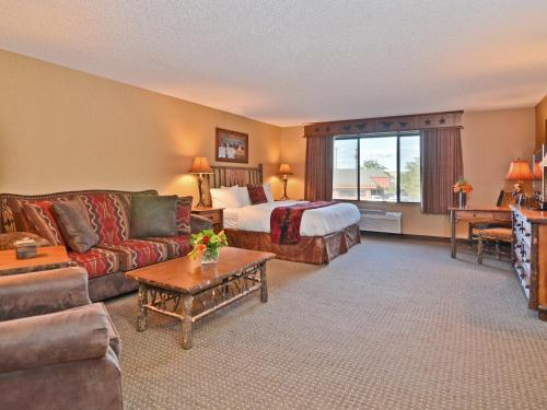 Best Western Plus Kelly Inn & Suites Photo