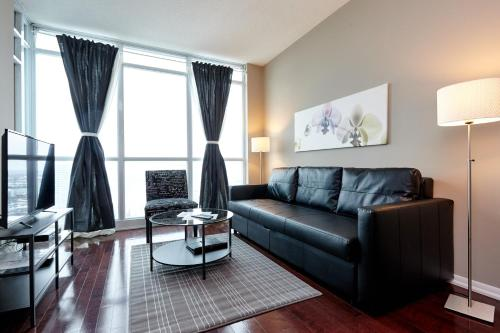 Atlas Suites Furnished Apartment - Yonge Street, Downtown Toronto Photo