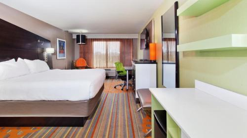 Holiday Inn Express Atlanta NW - Galleria Area Photo