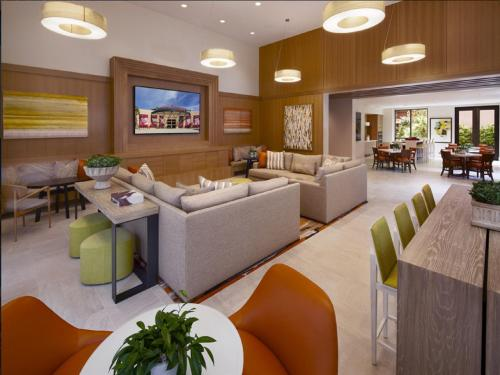 Global Luxury Suites at Jackson Street Photo