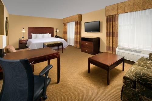 Hampton Inn and Suites San Antonio Airport Photo