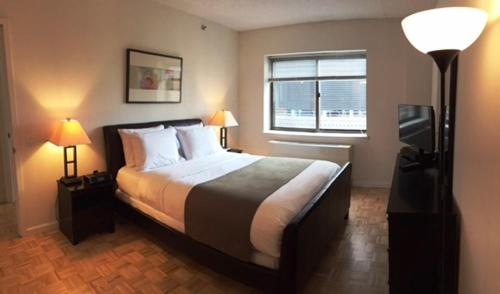 Midtown West at The Cameo – A Premier Furnished Apartment Photo