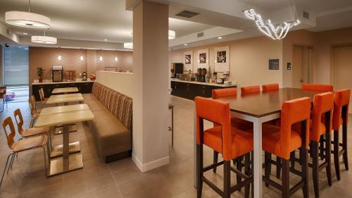 Best Western Plus Downtown Tulsa/Route 66 Hotel Photo