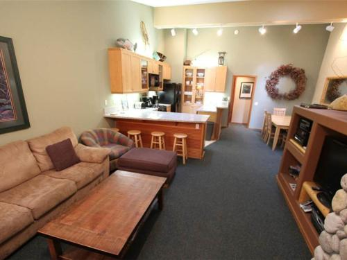 Snowcreek 961 Apartment Photo