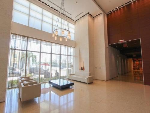 Global Luxury Suites at One Broadway Photo