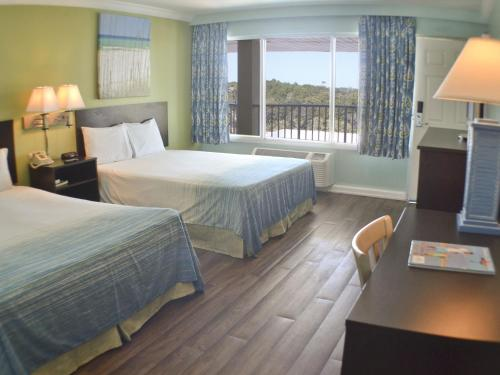 Boardwalk Beach Resort Hotel and Conference Center Photo