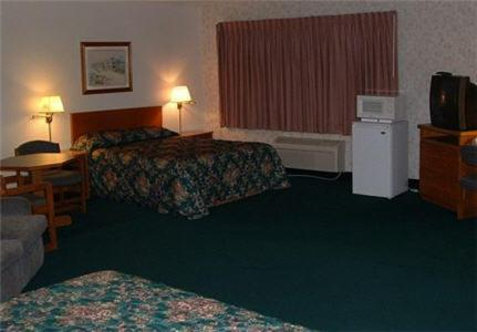 Cedarwood Inn Photo