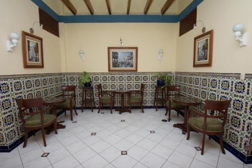 Hotel San Antonio Abad Photo