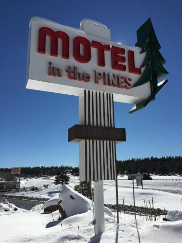 Motel In The Pines - Munds Park, AZ 86017