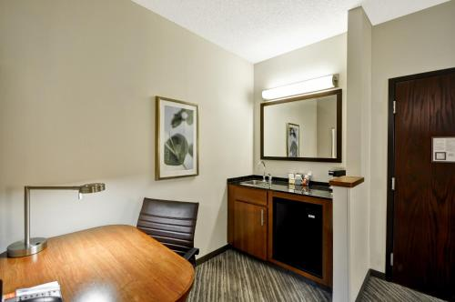 Hyatt Place Tampa Airport Photo