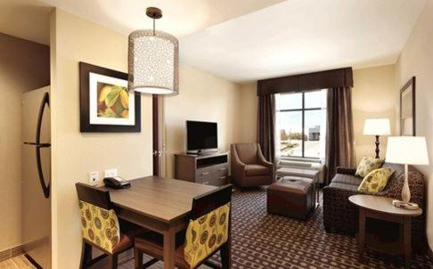 Homewood Suites by Hilton West Des Moines/SW Mall Area - West Des Moines, IA 50266