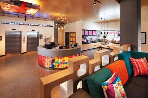 Aloft Denver Downtown Photo