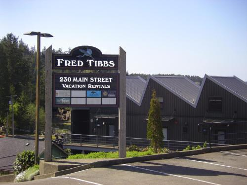 Island Village Properties at Fred Tibbs Photo