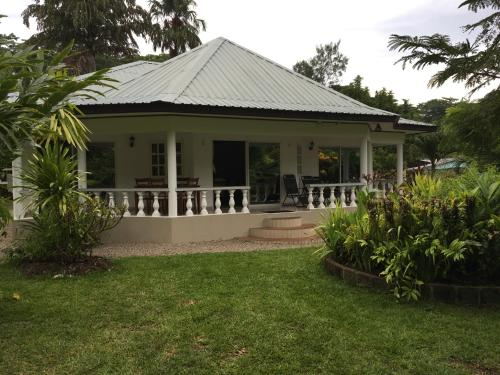 Skyblue Guesthouse - Self Catering, Baie Sainte Anne