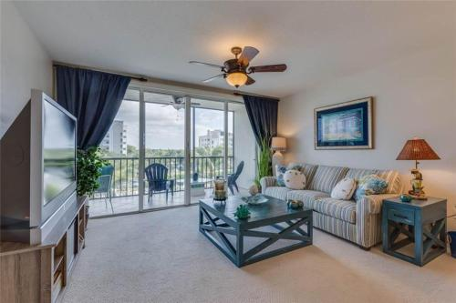 Hibiscus Pointe 632 Photo
