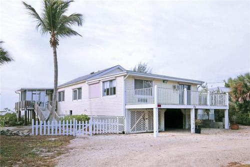 Estero Beach House 3970 Photo