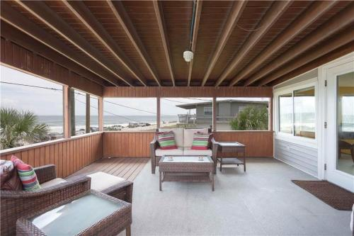 Lenoras Pelican Beach House Photo