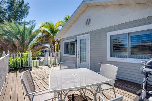 Beach Hideaway Holiday Home 307 Photo