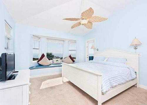 Harmony Beach House Photo
