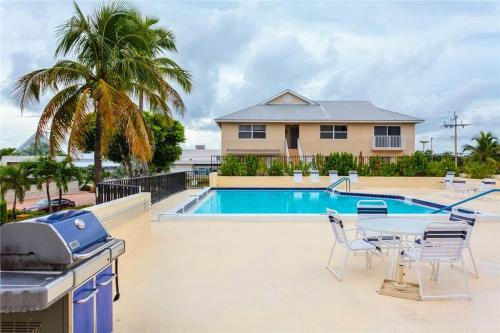 Island House Beach Club Apartment 2560-2D Photo