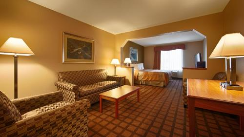 Best Western Inn & Suites - Midway Airport Photo
