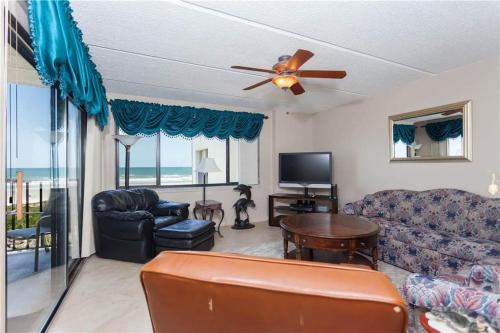 Windjammer Apartment 206 Photo