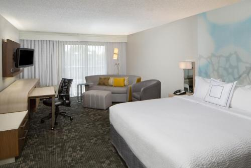 Courtyard by Marriott San Antonio Airport/North Star Mall Photo