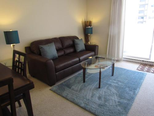 Studio Apartment Near Financial District Photo