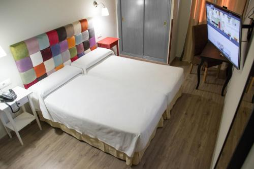 Hotel Sercotel Doña Carmela photo 30