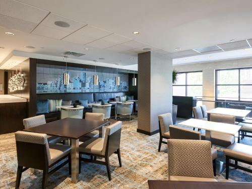 DoubleTree Suites by Hilton Houston by the Galleria photo 16