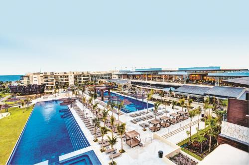 Royalton Riviera Cancun Resort & Spa - All Inclusive Photo