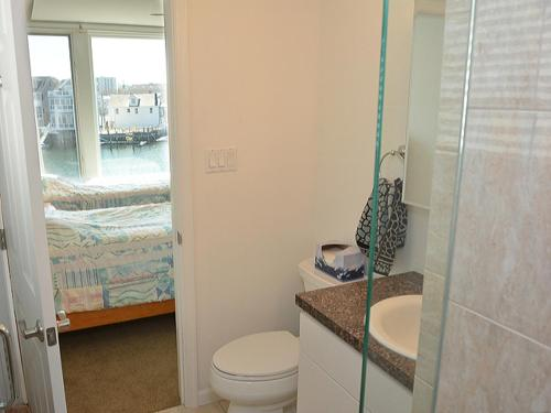 WaterFront Luxury Condo Photo